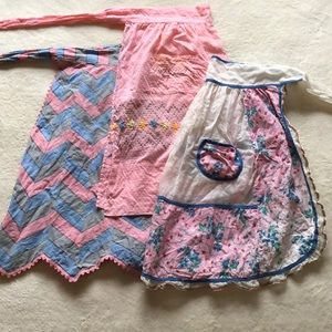 Bundle of 3 vintage aprons